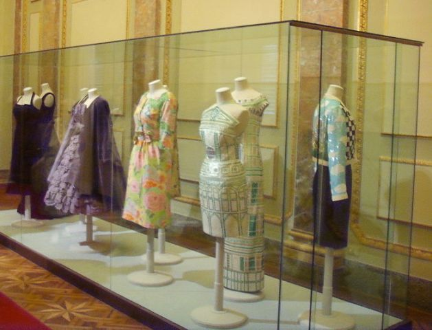 A room in the Costume Gallery